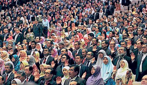 Penjawat Awam Perak Terima Bantuan RM1,000