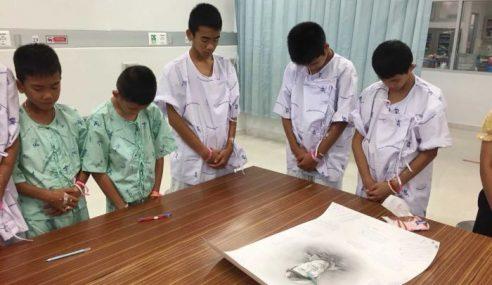 12 Remaja Tangisi Kematian Penyelam Sukarelawan