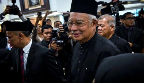 Najib Tarik Balik Saman Terhadap Penyiasat 1MDB