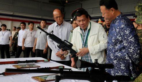 China Teruskan Pemberian Senjata Kepada Filipina