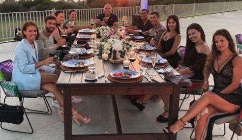Ronaldo Belanja Semua Staf Di Hotel Greece