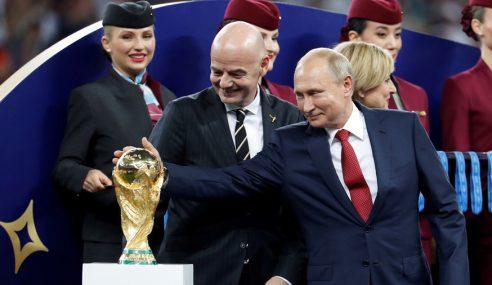 Putin Raikan Kejayaan Politik Piala Dunia 2018