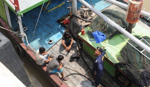 Tahan Nelayan Indonesia Tangkap Ikan Di Perairan Negara