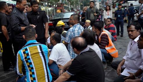 Lebih 50 Pati Di Jalan Masjid India, Jalan TAR Ditahan