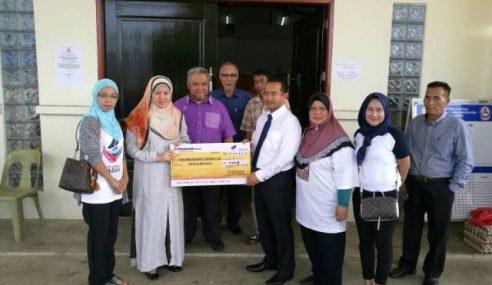 Yayasan Nur Jauhar Beri Sumbangan Kepada 100 Penerima