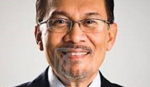 Suara Mirip Anwar Kritik Dr. M, Azmin Tular