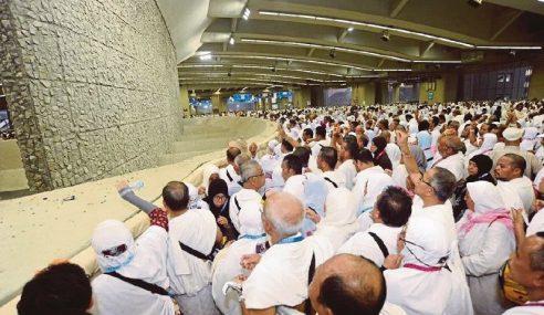 Jemaah Malaysia Mula Laksana Ibadat Melontar