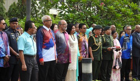 Mahfuz Hadiri Sambutan Hari Kebangsaan Di Bangkok