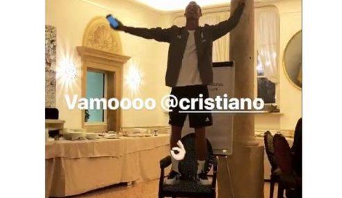 Kena 'Buli', Ronaldo Tebal Muka Nyanyi Klasik Rock