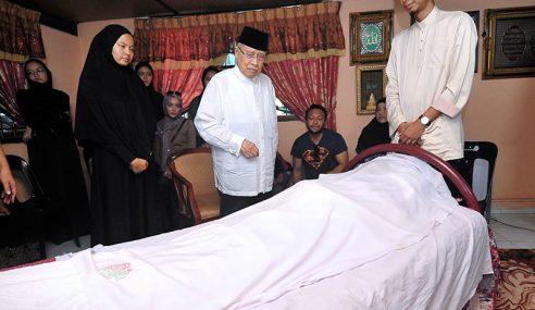 Jenazah Bekas Pengerusi UMNO P.Pinang Selamat Dikebumikan
