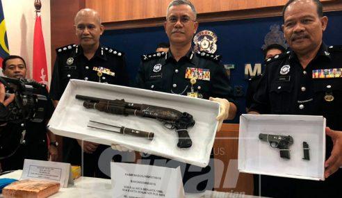 Polis Tahan Lelaki, Rampas Dadah Dan Senjata Api