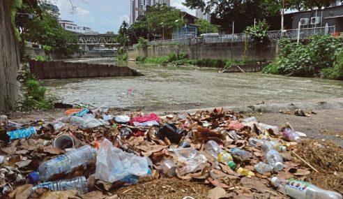 88 Kg Sampah Dikutip Dalam Masa Sejam Di Sungai Gombak