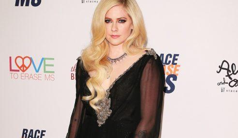 Avril Lavigne Bangkit Selepas Berdepan Penyakit Lyme