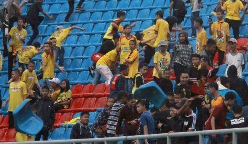 Bola Sepak Indonesia: Kematian Penyokong Akibat Pergaduhan