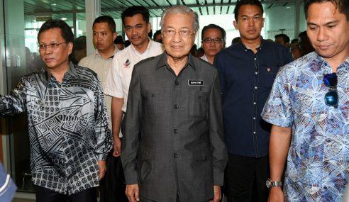 Sambutan Hari Malaysia: Tun Dr Mahathir Tiba Di Sabah
