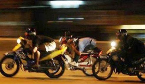 3 Remaja Mengaku Salah Tunggang Motosikal Secara Bahaya