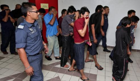 12 'Tukang Angkut' Tak Mengaku Salah