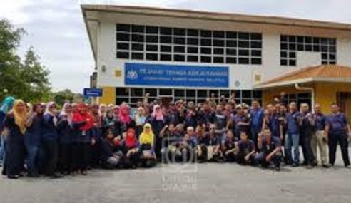 357 Pekerja Kilang Bekal Senjata, Bahan Letupan Tuntut Gaji