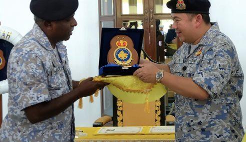 Pemangku Raja Kelantan Lawat Mawilla2 TLDM