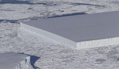 Kepingan Ais Misteri 'Sebatu Lebar' Hanyut Di Antartika