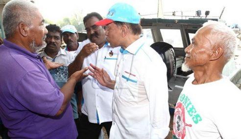 Anwar Dengar Keluhan Pemandu Teksi Port Dickson
