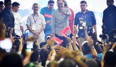 Anwar Selangkah Bakal PM Ke-8