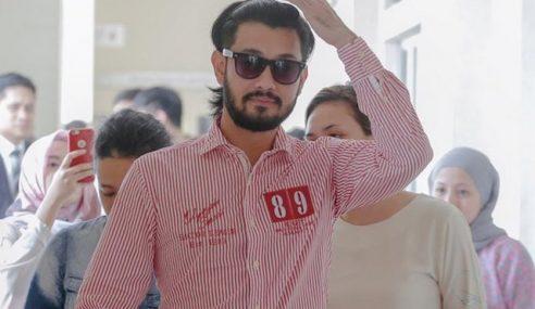 Mahkamah Tolak Permohonan Farid Kamil Dapatkan Pasport