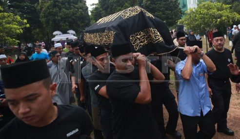Hassan Azhari Selamat Dikebumi Di Makam Di Raja Shah Alam