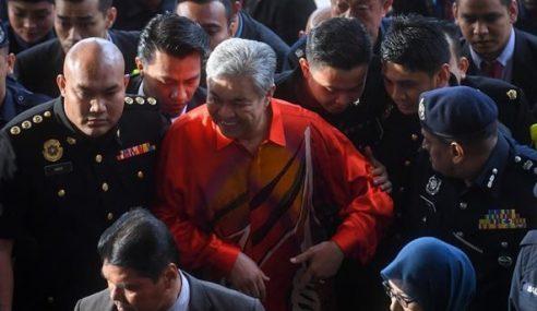 Media Sosial Jadi Medan Bincang Pendakwaan Zahid