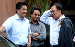 Azmin Bakal PM Ke-8, Anwar Balik Ke Penjara?