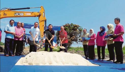TMJ Rasmi Projek Pembangunan Rumah Impian Bangsa Johor Di Mersing