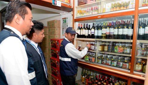 Jabatan Kesihatan Kedah Rampas 388 Botol Arak