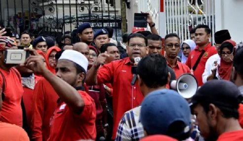 Laungan 'Hipokrasi' Bergema Tanda Protes PH
