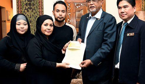 Waris Komposer Pak Ngah Terima Faedah PERKESO