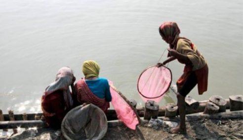 Wanita Mandi Sungai Sebelum Dirogol Dalam Air, 2 Ditahan