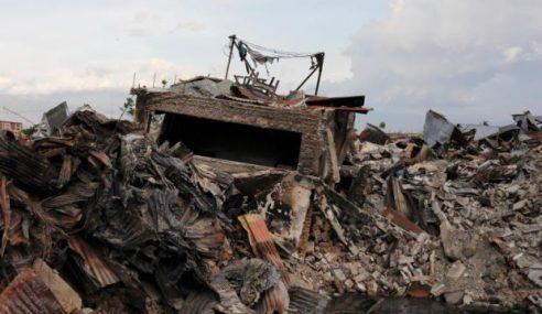 Hampir 2,000 Korban Tsunami Di Sulawesi, 5,000 Masih Hilang