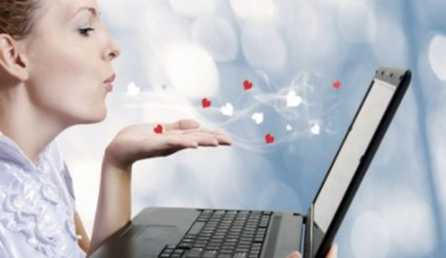 Ramai Wanita Terjebak Cinta Siber