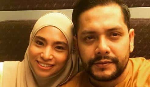 Danny Bakal Timang Anak Selepas 7 Tahun Kahwin