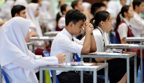 Pelajar Dilema Tidak Dibenar Duduki SPM
