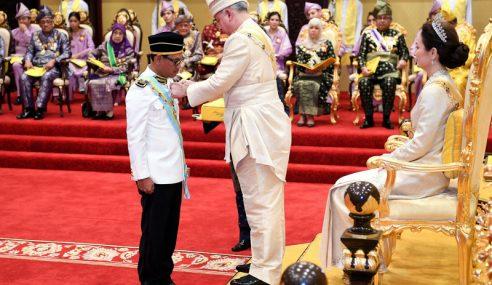 MB Perak Dahului Penerima Pingat Keputeraan Sultan Perak