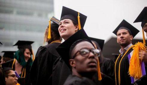 Graduan Universiti Johns Hopkins Dibebani Hutang
