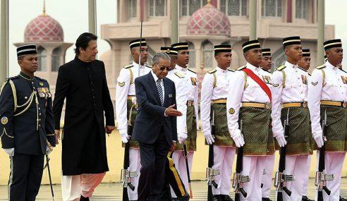 Imran Khan Diberi Sambutan Rasmi Di Putrajaya