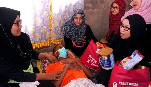 Ibu Tunggal Rayu Bantuan Anak Hidap Leukemia