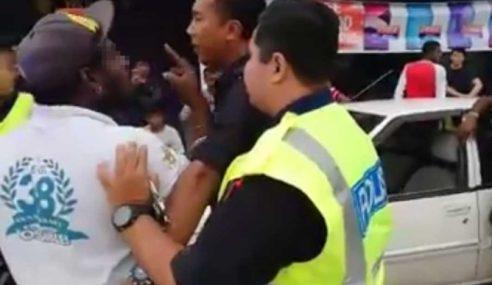 Polis Nafi Bertindak Kasar Ke Atas Orang Awam