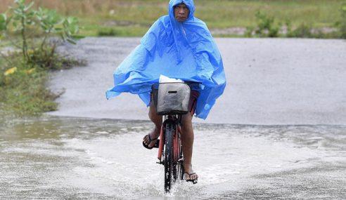 116 Orang Di Kluang, Batu Pahat Terjejas Banjir Kilat