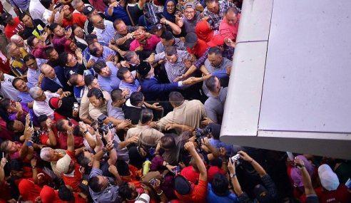 Musa Disambut Ratusan Penyokong Di KKIA