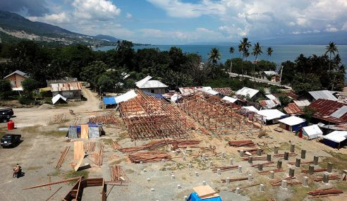 Khemah Mangsa Bencana Di Palu Makin Usang