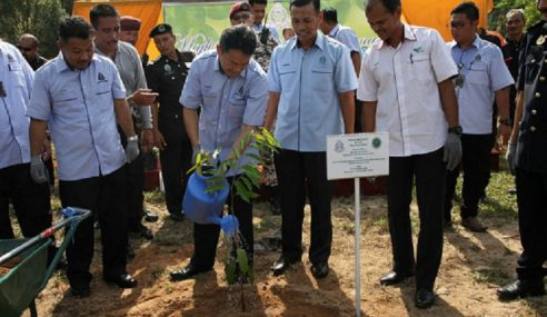 Lebih 1,000 Pokok Buah Ditanam Di 3 Penjara Di Perak