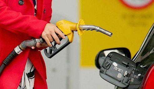 Kereta Mewah Tidak Layak Subsidi Petrol Bersasar