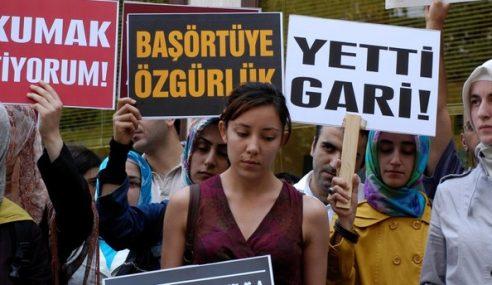Pelajar Turki Terima Ganti Rugi Diskriminasi Tudung